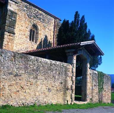 View 4 of the Iglesia vieja de Biañez