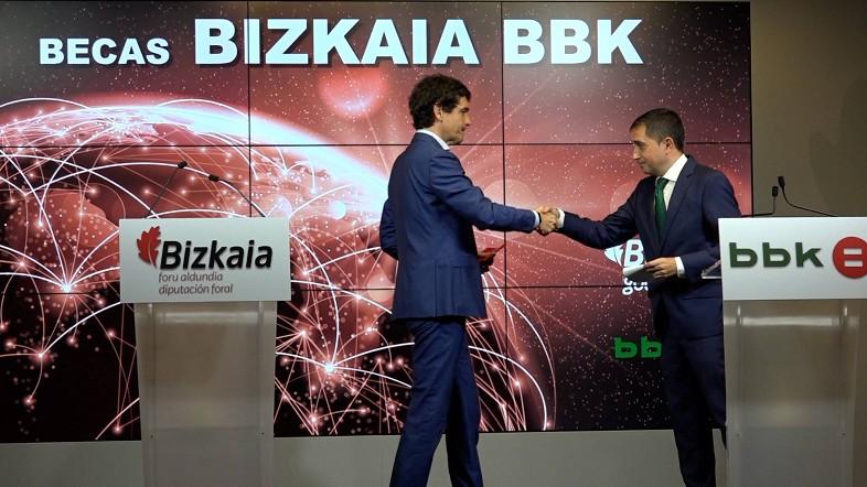Bizkaia BBK bekei esker hamaika gaztek bikaintasunaren arloko prestakuntza jasoko dute  ostean Lurraldeko enpresetan  lan egiteko