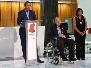 Bizkaia eus bizkaimedia el diputado general y el alcalde for Oficinas turismo bilbao
