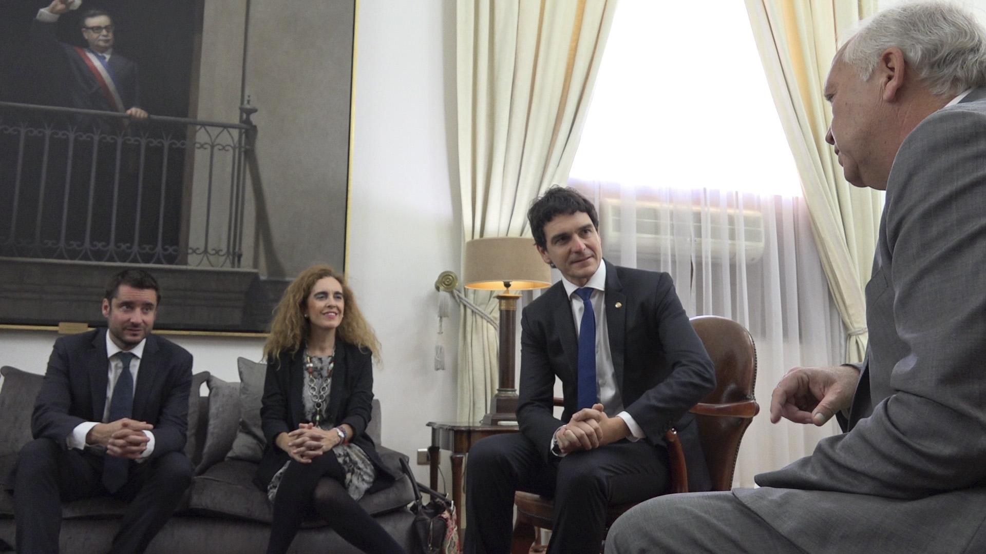 Bizkaia eus bizkaimedia jorge burgos txileko barne for Agenda ministro interior