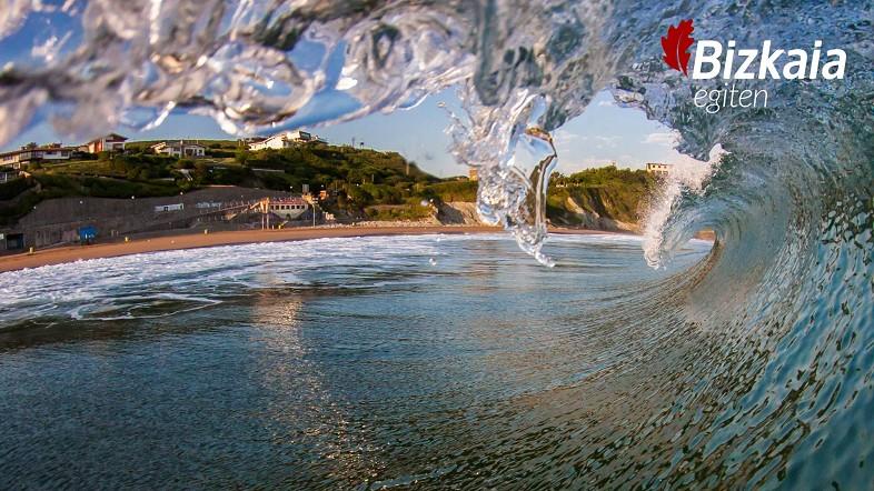 Las personas usuarias dan un 7,92 a las playas de Bizkaia y dicen haber ido a ellas con la misma regularidad pese al COVID-19