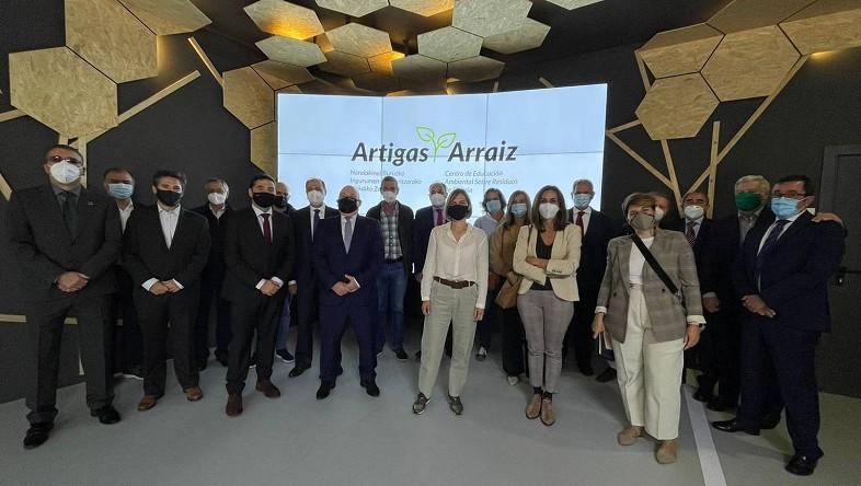 Las 14 entidades que apoyan el Centro de Educación Ambiental sobre Residuos de Bizkaia renuevan su convenio de colaboración