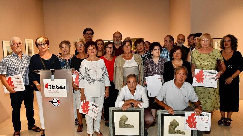 La Diputación Foral entrega los premios del Concurso de Pintura, Literatura, Fotografía y otras disciplinas para personas mayores