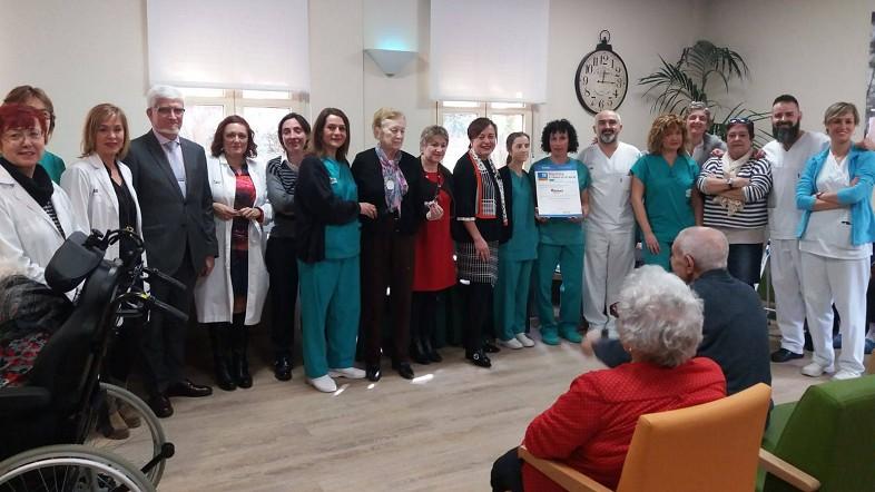 El Centro foral asistencial Gallarta certifica su método de atención a personas mayores que minimiza la contención física