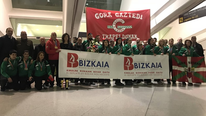 El Club Gaztedi aterriza en Loiu