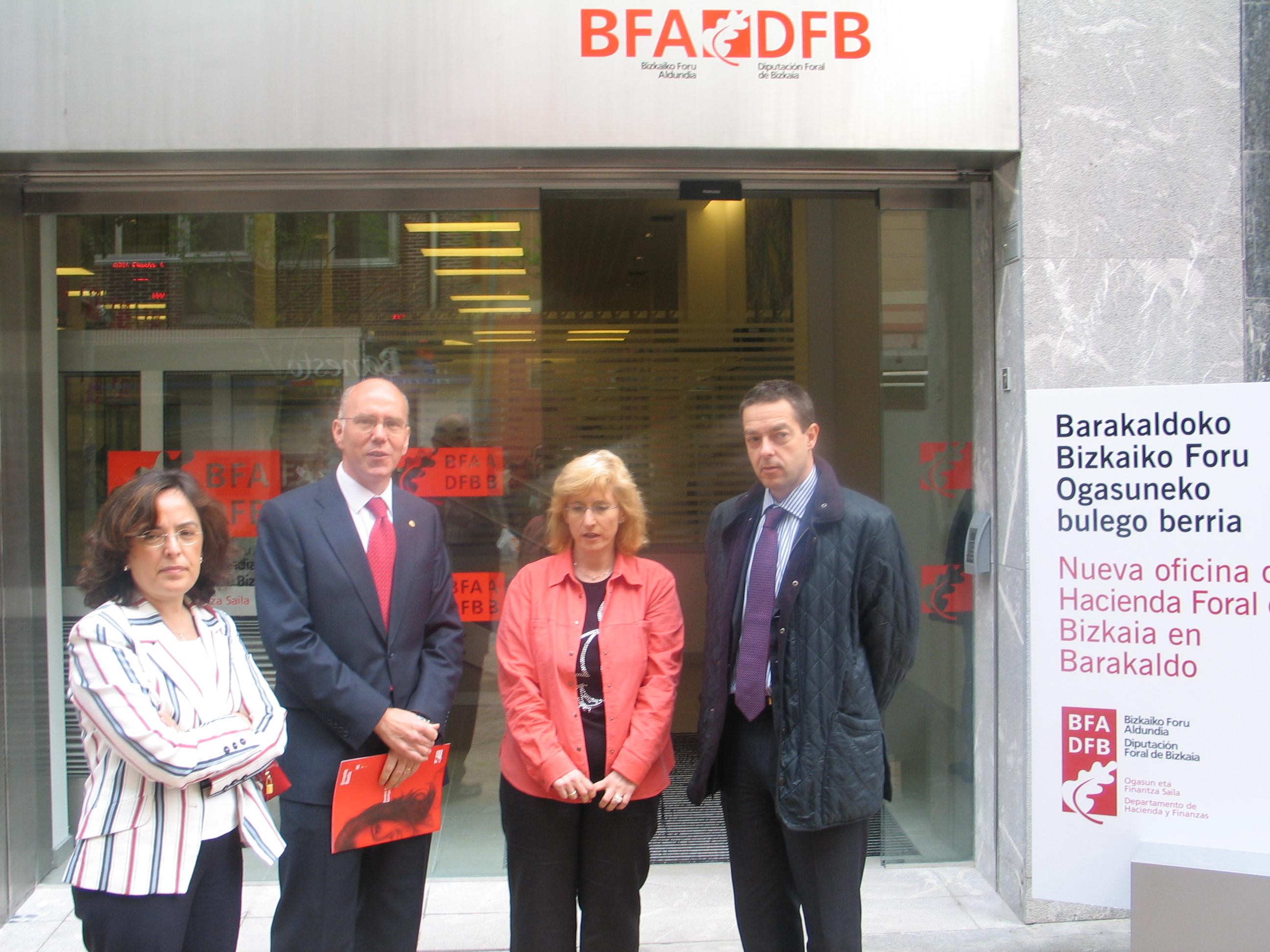 Bizkaia eus bizkaimedia inauguradas las dos nuevas for Oficinas hacienda bizkaia